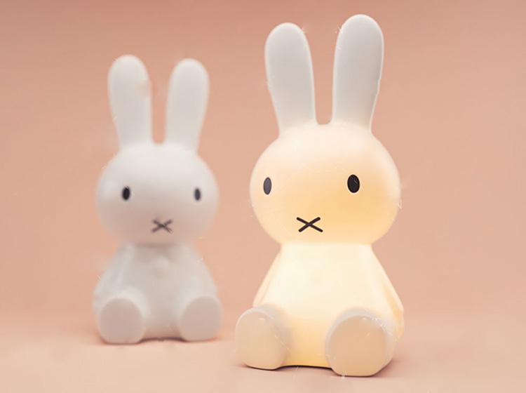 可爱的小兔子台灯C4D模型创意场景3D模型素材